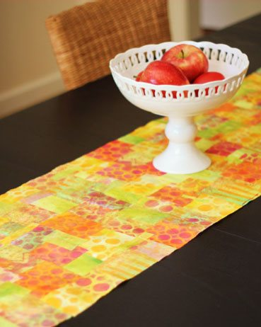 Make a table runner with this mixed-media art lesson by Jenny Cochran Lee | ClothPaperScissors.com