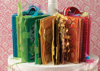 A Piece of Cake: Easy, Colorful Fabric Books by Debbie Crane